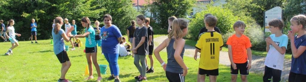 Schüler beim Sporttag